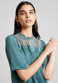 Vero Moda - VMISABELLA - Bluser - north atlantic - 3