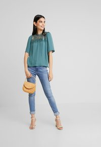 Vero Moda - VMISABELLA - Bluser - north atlantic - 1