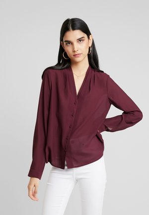 VMCAITLIN V NECK - Button-down blouse - port royale