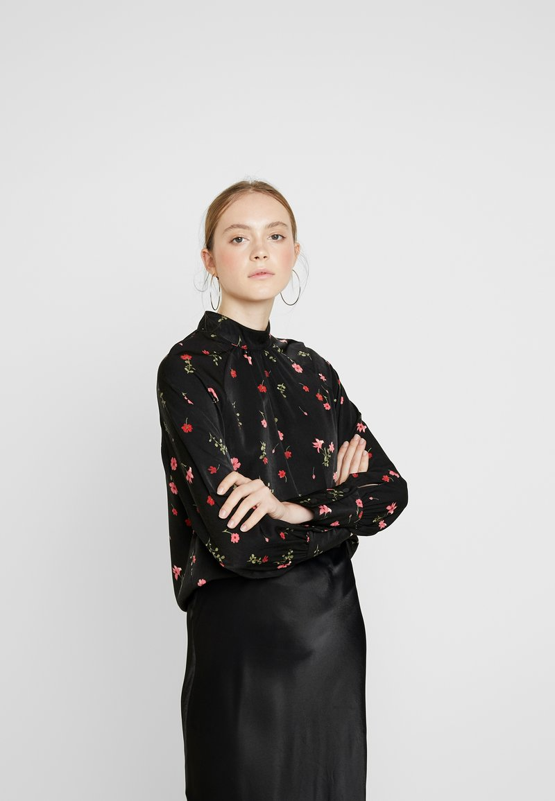 Vero Moda - VMBOLETTE HIGH NECK - Blouse - black/bolette