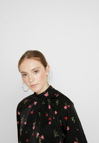 Vero Moda - VMBOLETTE HIGH NECK - Blouse - black/bolette - 4