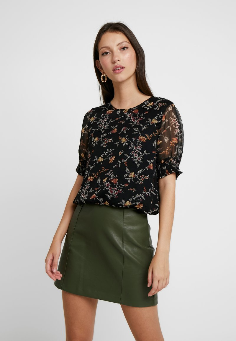 Vero Moda - VMTINI SMOCK - Bluse - black