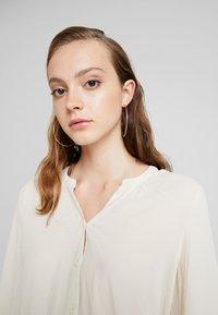 Vero Moda - VMISABELLA - Button-down blouse - birch - 5