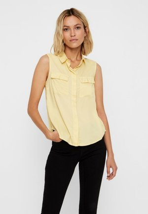 VORN GEKNÖPFTES - Button-down blouse - mellow yellow