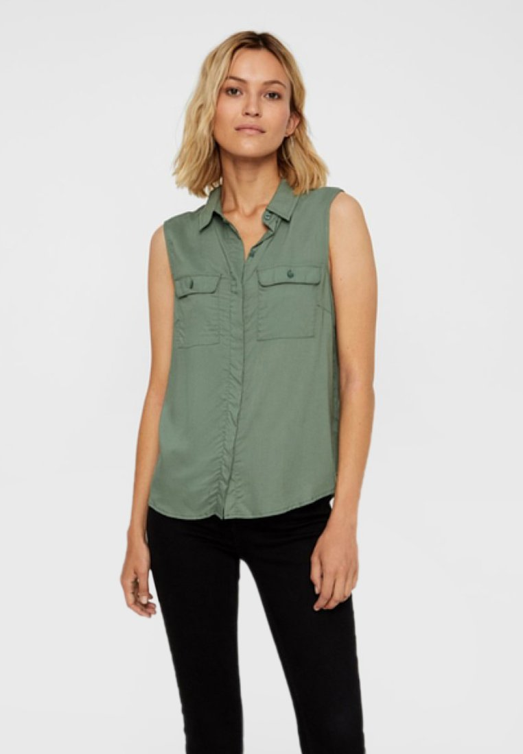 Vero Moda - VORN GEKNÖPFTES - Button-down blouse - laurel wreath