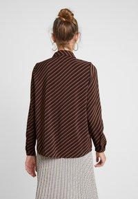 Vero Moda - VMJANE - Skjorte - black/jane tortoise - 2