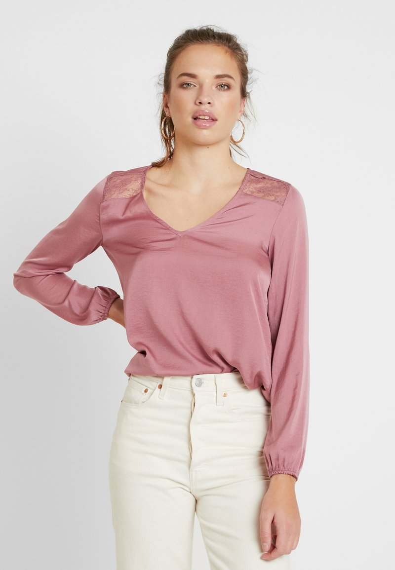 Vero Moda - VMSANDRA LACE V-NECK TOP  - Bluser - mesa rose
