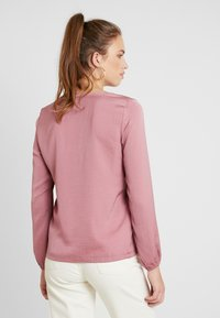 Vero Moda - VMSANDRA LACE V-NECK TOP  - Bluser - mesa rose - 2