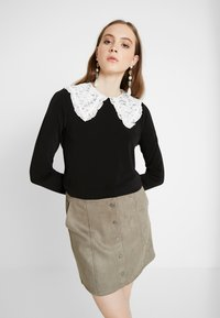 Vero Moda - VMTERESSA COLLAR - Blouse - black/white - 0