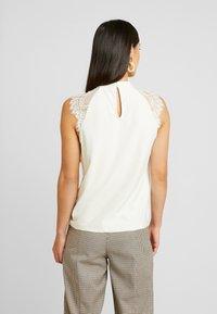 Vero Moda - VMMILLA TEE - T-shirts med print - birch - 2