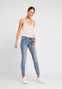 Vero Moda - VMAMY SINGLET - Top - sepia rose - 1