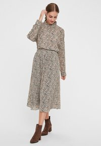 Vero Moda - Skjortebluser - birch - 1