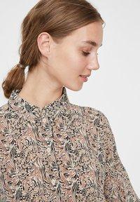 Vero Moda - Skjortebluser - birch - 3