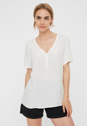 VMNINA  - T-shirt z nadrukiem - snow white