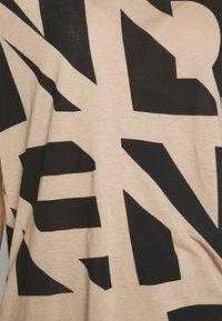 Vero Moda - VMISLAFRANCIS BOX - T-shirt imprimé - beige - 4