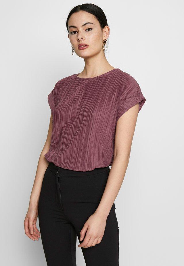 VMALIA PLISSE TOP - T-shirt print - rose