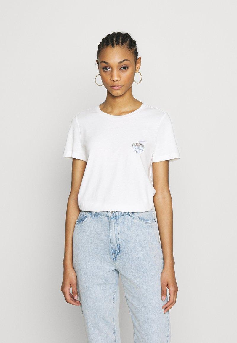 Vero Moda - VMJOANNA FRANCISSTOP BOX - T-shirt imprimé - snow white