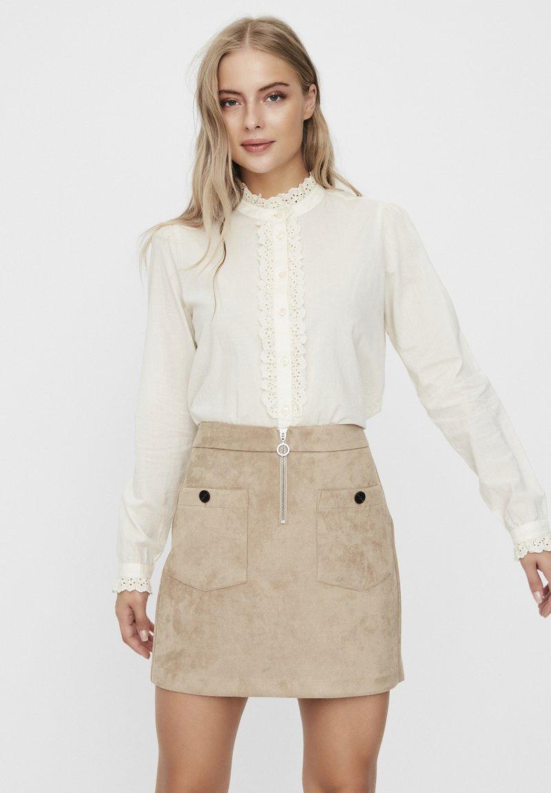 Vero Moda - Overhemdblouse - birch
