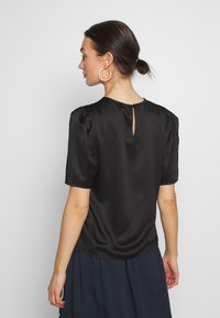 Vero Moda - VMJULIANNA VOLUME - Bluser - black/solid - 2