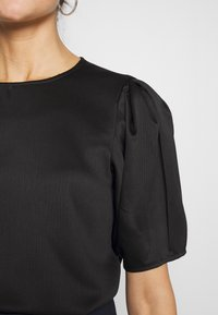 Vero Moda - VMJULIANNA VOLUME - Bluser - black/solid - 4
