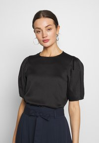 Vero Moda - VMJULIANNA VOLUME - Bluser - black/solid - 0