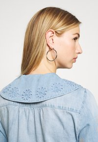 Vero Moda - VMDIANA - Chemisier - light blue denim - 4