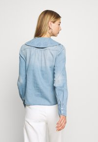 Vero Moda - VMDIANA - Chemisier - light blue denim - 2