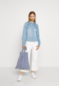 Vero Moda - VMDIANA - Chemisier - light blue denim - 1