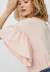 Vero Moda - T-shirt con stampa - chintz rose - 3