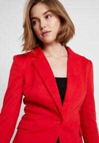 Vero Moda - VMJULIA - Blazer - chinese red - 3