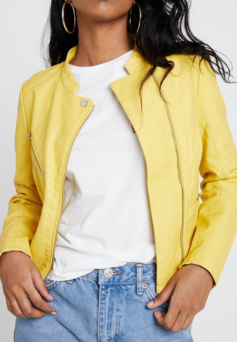 Vero Moda - VMNORA FAVO - Faux leather jacket - cream gold