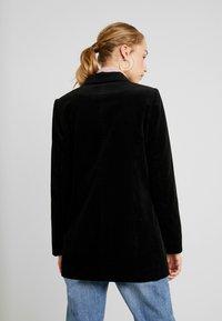 Vero Moda - VMLEVIRIE - Krátký kabát - black - 2
