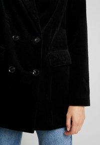 Vero Moda - VMLEVIRIE - Krátký kabát - black - 5