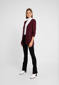 Vero Moda - VMINEZ LONG - Blazer - port royale - 1