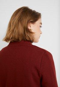 Vero Moda - VMBRINE LONG - Krátký kabát - madder brown - 5