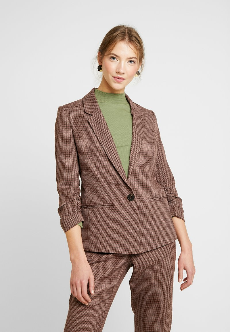 Vero Moda - VMJASMIN CHECK - Blazer - madder brown