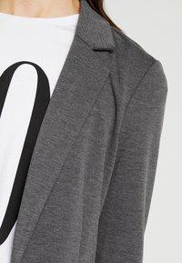 Vero Moda - VMNINA BOX - Blazer - dark grey melange - 4