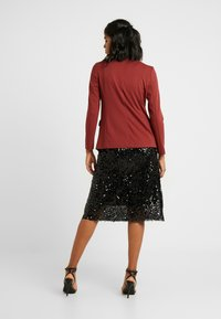 Vero Moda - VMNINA BOX - Blazer - madder brown/solid - 2
