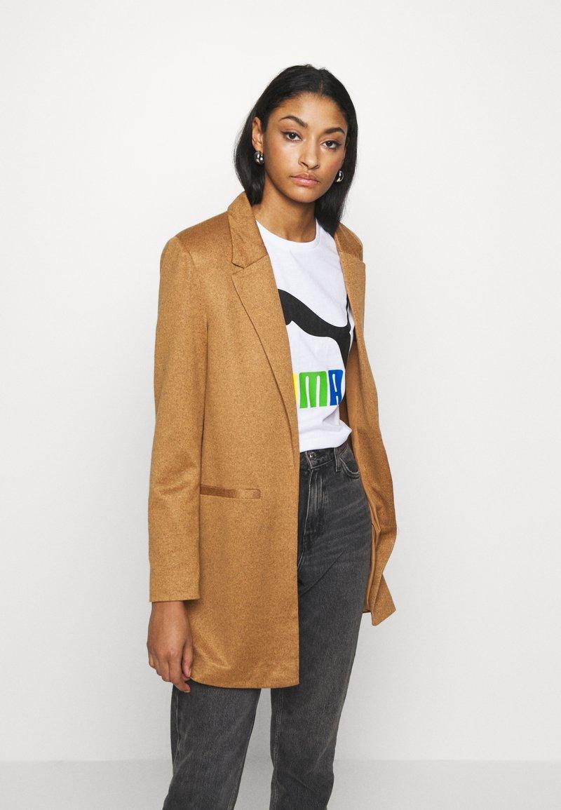 Vero Moda - VMJANEY - Krátký kabát - tobacco brown melange