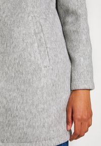 Vero Moda - VMBRUSHEDKATRINE  - Short coat - light grey melange - 5