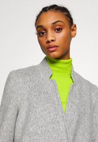 Vero Moda - VMBRUSHEDKATRINE  - Short coat - light grey melange - 3