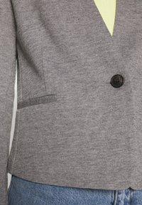 Vero Moda - VMGLEN BLAZER - Blazer - medium grey melange - 5