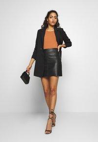 Vero Moda - VMDORIT  - Krátký kabát - black - 1