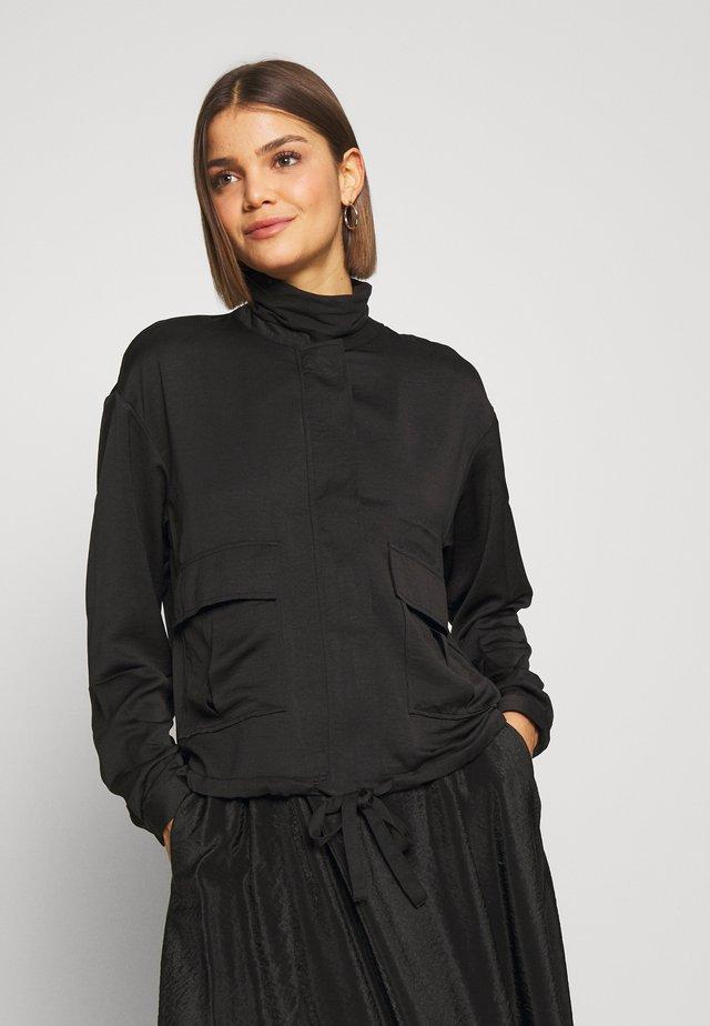 VMFREJA  - Lehká bunda - black