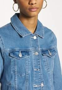 Vero Moda - VMULRIKKA JACKET MIX  - Denim jacket - light blue denim - 4