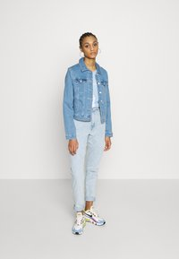 Vero Moda - VMULRIKKA JACKET MIX  - Denim jacket - light blue denim - 1