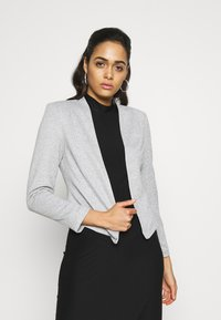 Vero Moda - VMJANEY SHORT - Blazer - light grey melange - 0