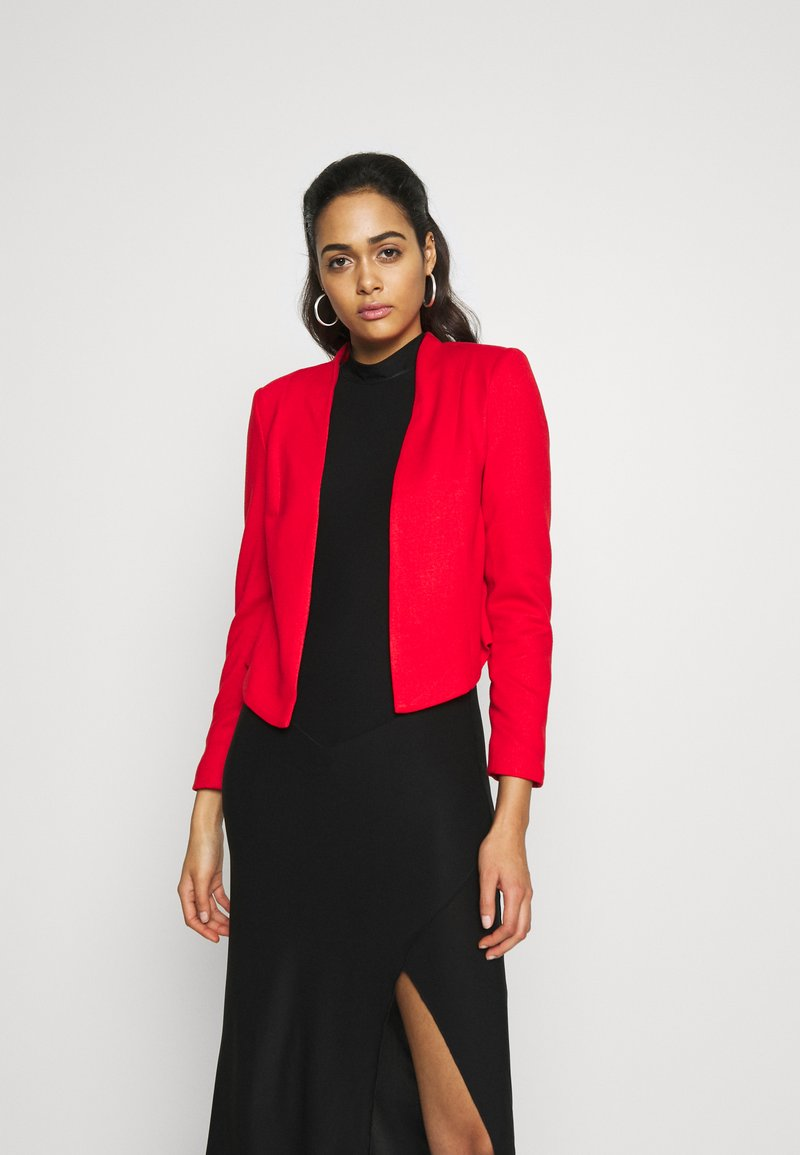Vero Moda - VMJANEY SHORT - Blazer - high risk red