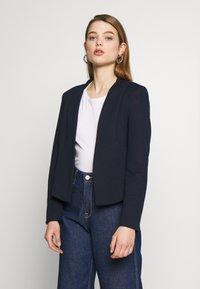 Vero Moda - VMJANEY SHORT - Blazer - navy blazer - 0