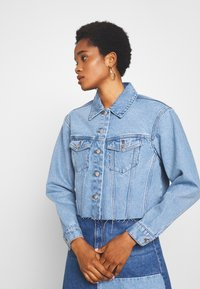 Vero Moda - VMKATRINA CROP JACKET - Denim jacket - light blue denim - 3